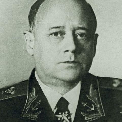 Товарищ адмирал