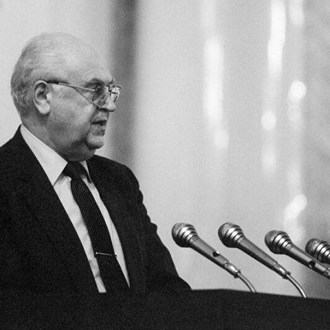 Анатолий Добрынин. Самый главный посол